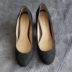 Black round toe block heels